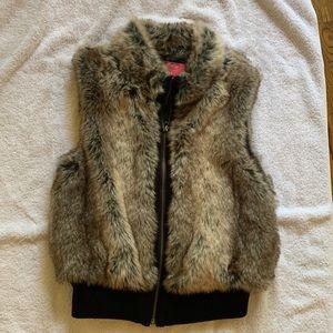 Other - Girls fur zip up vest
